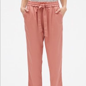 NWT GAP Mid Rise Ankle Pant